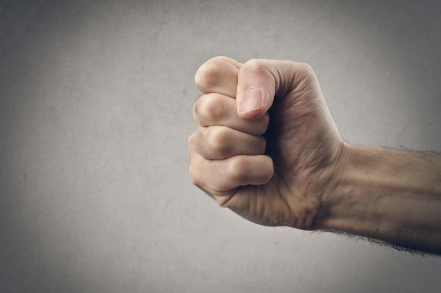 Asertywny vs agresywny