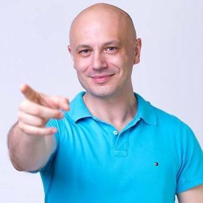 Poznaj Tomasza Tokarza