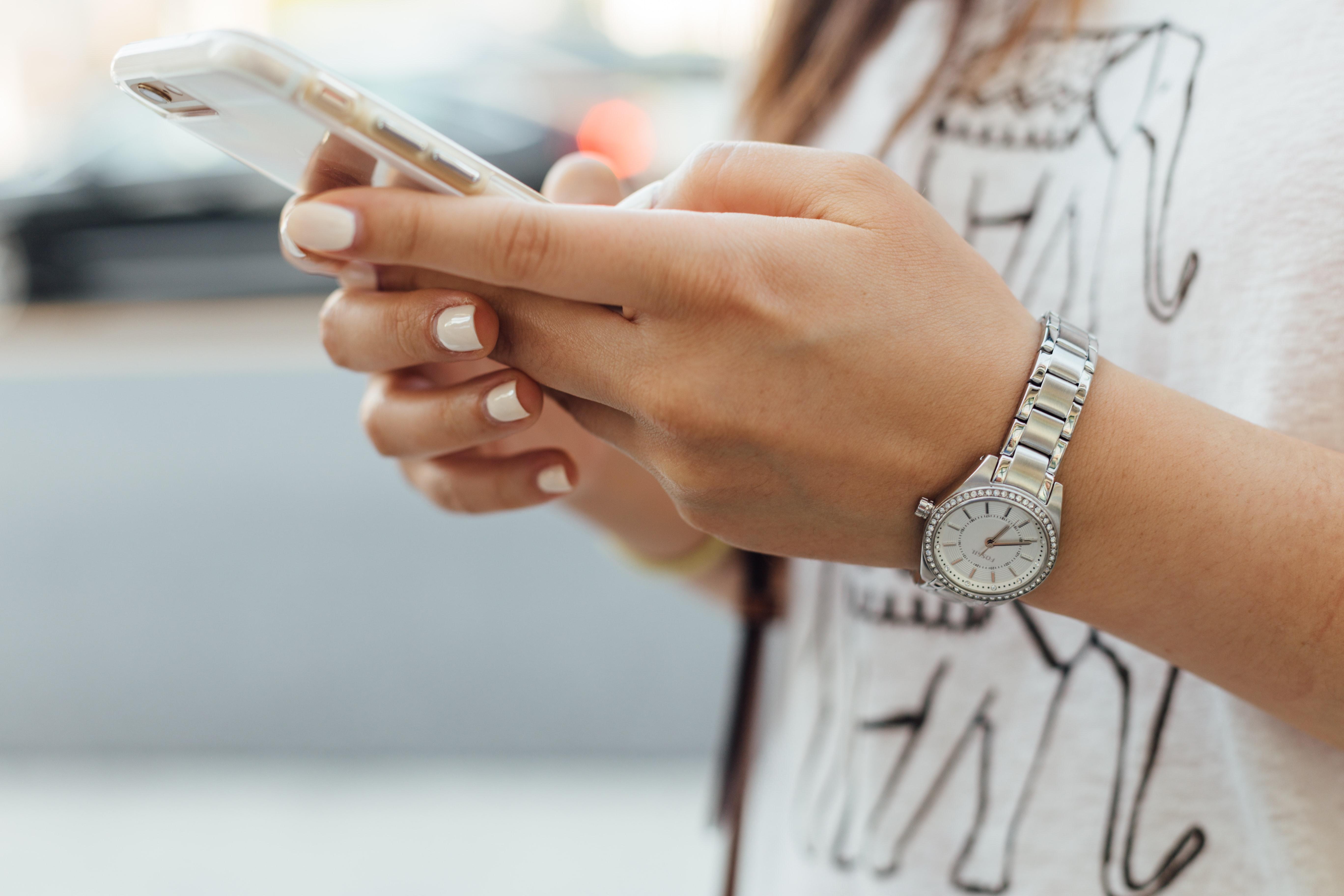 Smartfon - Twójprzyjaciel czywróg?
